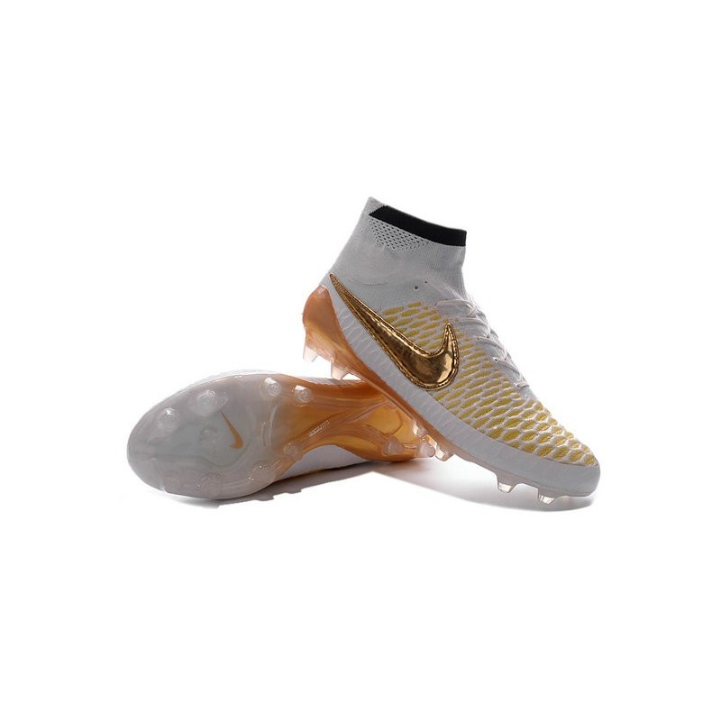chaussure foot nike magista