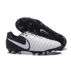 Nouvelle chaussure de foot Nike Tiempo Legend 7 FG Noir Blanc