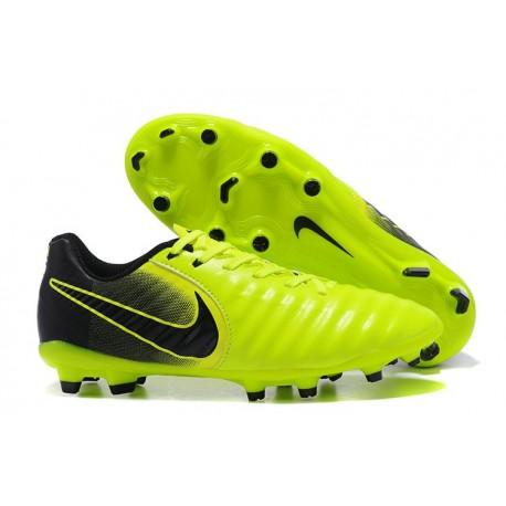 Nouvelle chaussure de foot Nike Tiempo Legend 7 FG Volt Noir